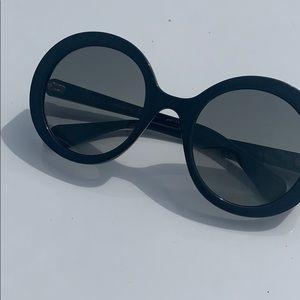 Gucci limited ed new glasses no case round